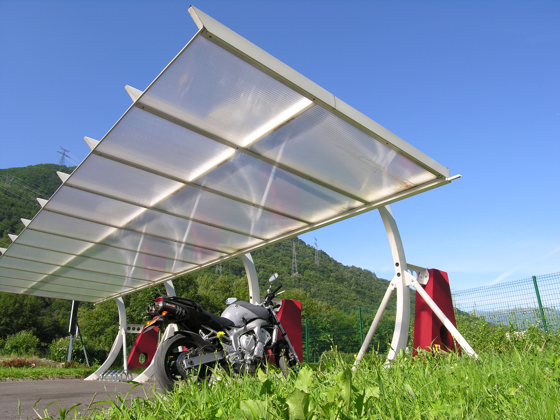 janik architecte abri moto. Black Bedroom Furniture Sets. Home Design Ideas